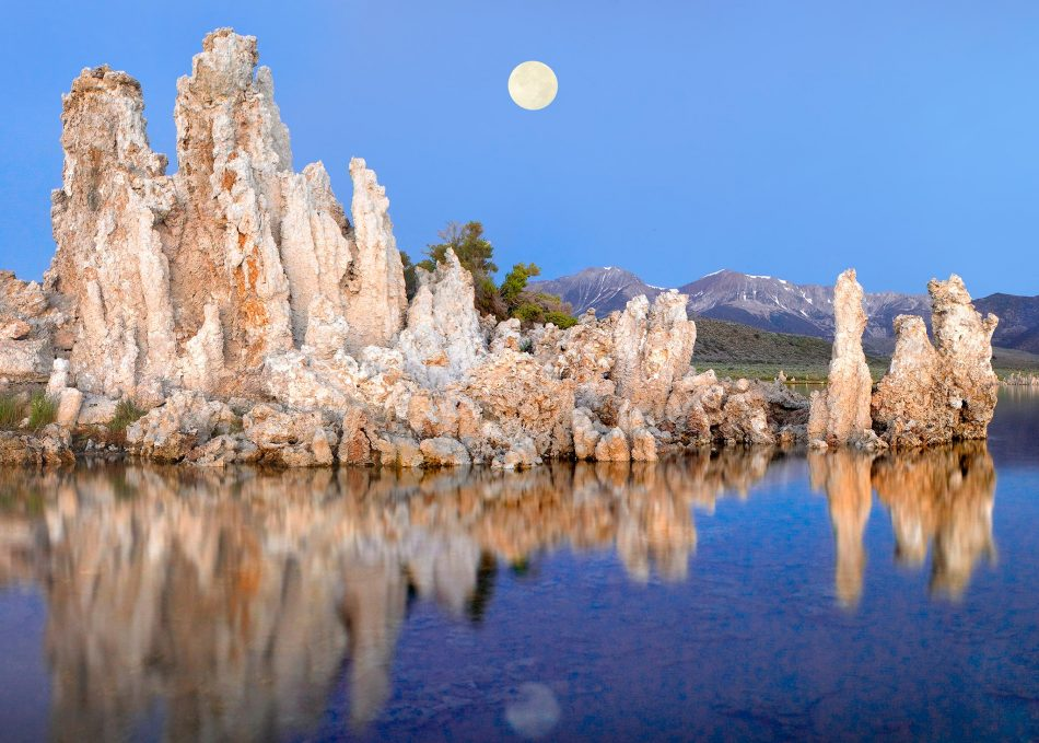 Dive into this photo gallery of Earth's most alien landscapes