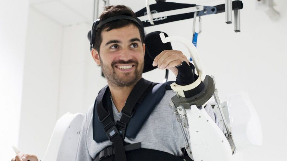 A mind-reading exoskeleton suit just allowed a paralyzed man to walk once more