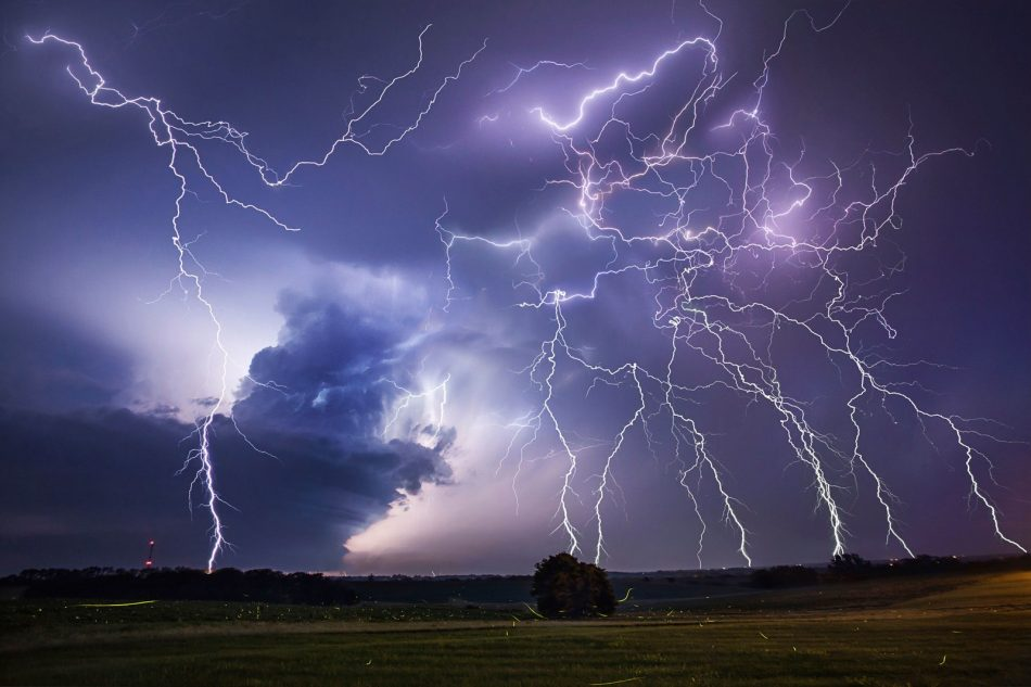 Scientist have made an AI that predicts when and where lightning will strike