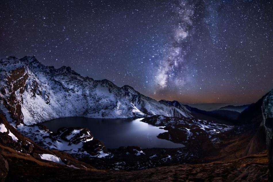 Photographer Yevhen Samuchenko took this image in the Himalayas in Nepal at Gosaikunda Lake