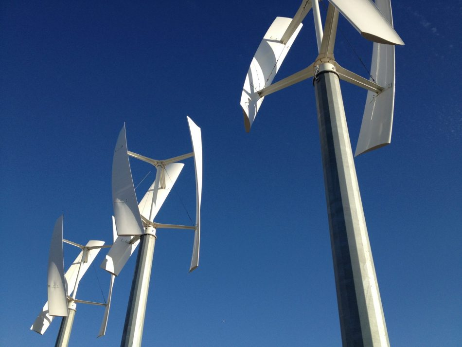 Wind turbines on a vertical axis can boost efficiency of wind farms | The Optimist Daily